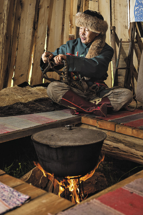 Many of the traditional dishes of local cuisine are supposed to be cooked in a cauldron.