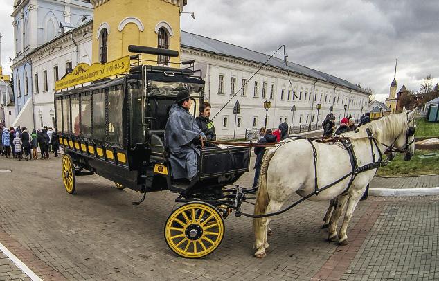 Vistors can take a carriage ride inside the Kolomna kremlin.