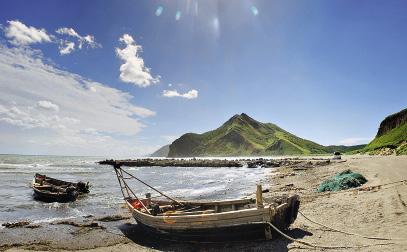 """Pacifi c Cove (""""Tikhaya"""") is a stunningly beautiful place."""